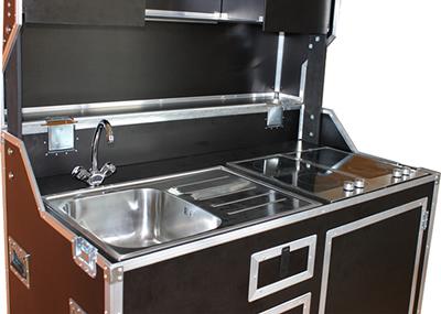 kofferk che tische f r die k che. Black Bedroom Furniture Sets. Home Design Ideas